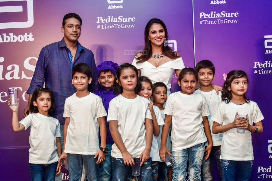 Lara Dutta & Mahesh Bhupathi At A Product Launch