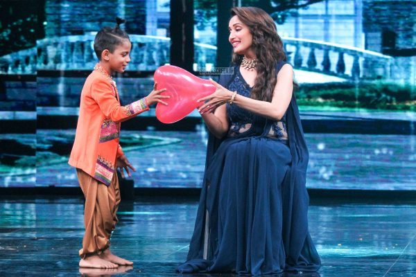 Madhuri Dixit On The Sets Of High Fever