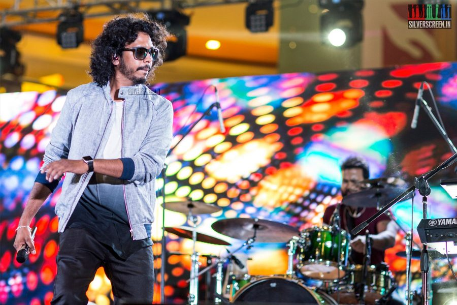 Nakash Aziz Live In Concert At The Forum Vijaya Mall