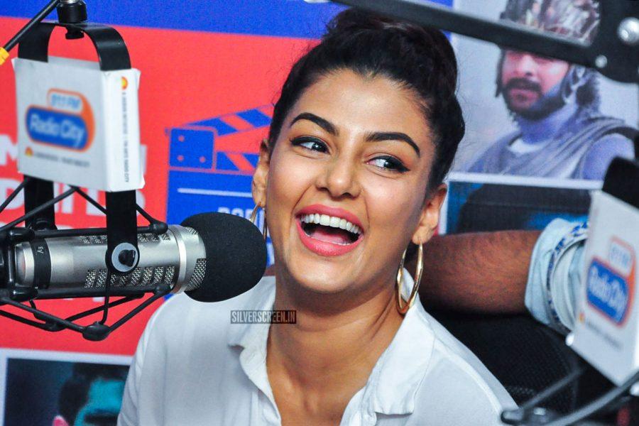 Anisha Ambrose At The Ee Nagaraniki Emaindi Movie Audio Launch