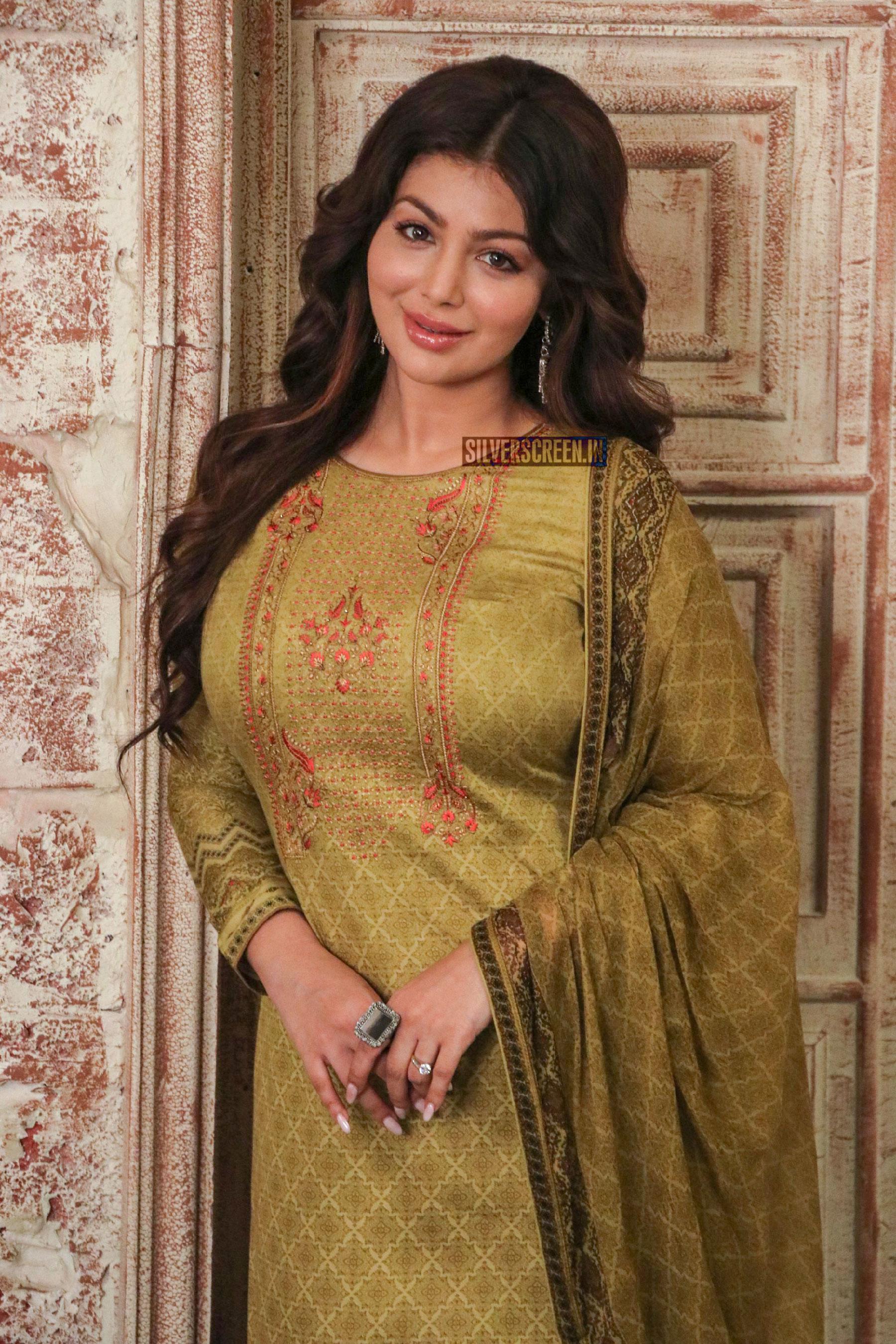 Ayesha Takia Azmi On The Sets Of Aarey Colony