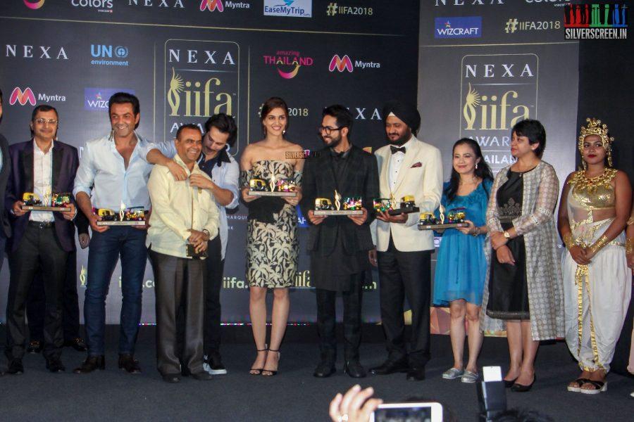 Varun Dhawan, Kriti Sanon & Others At The IIFA Press Meet