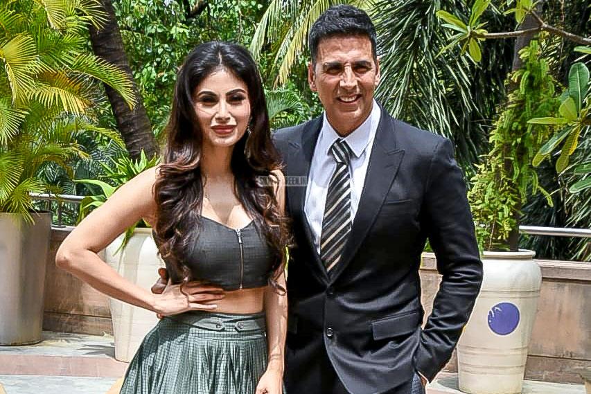 Akshay Kumar And Mouni Roy Promote Gold