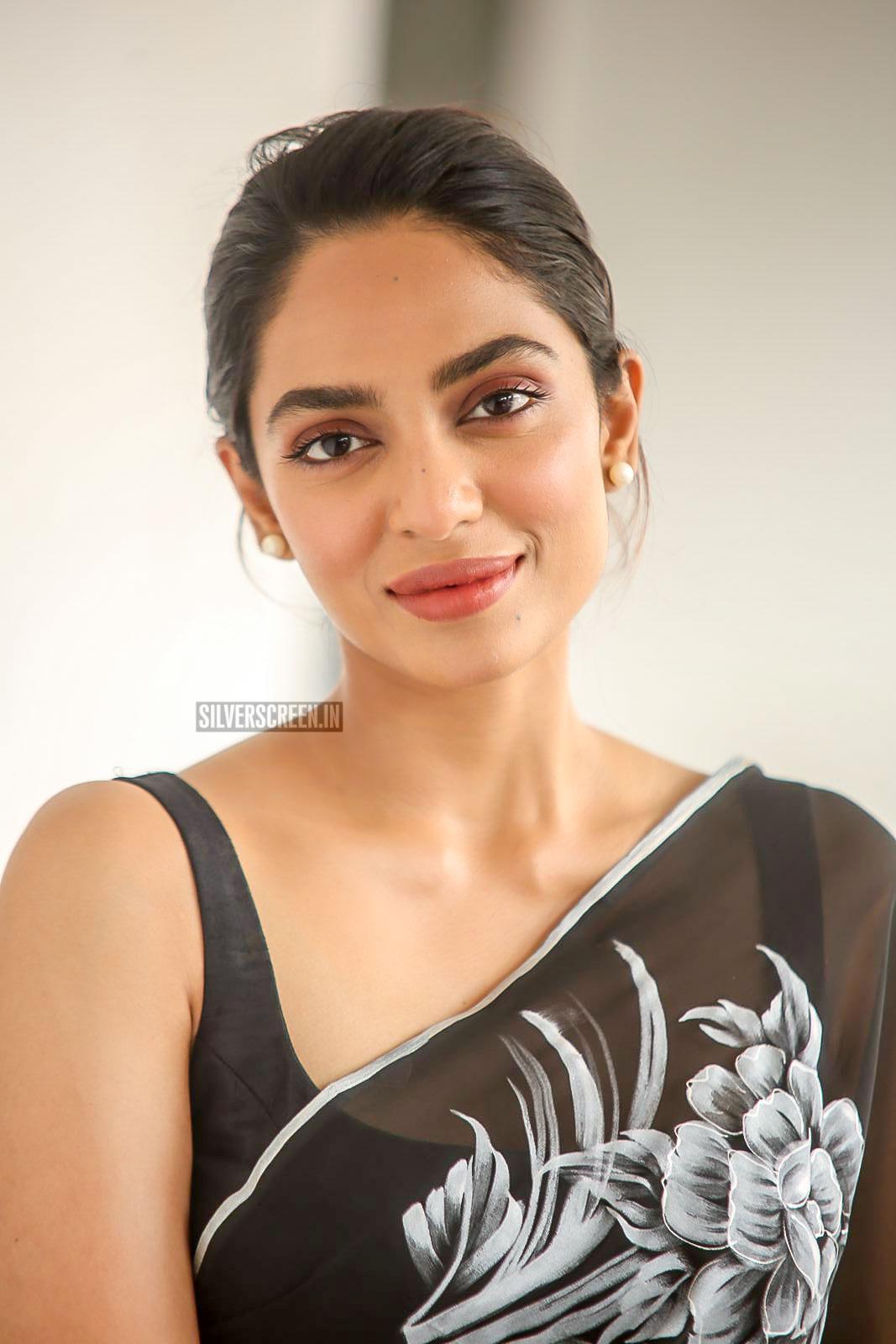 sobhita dhulipala promotes goodachari  u2013 silverscreen in