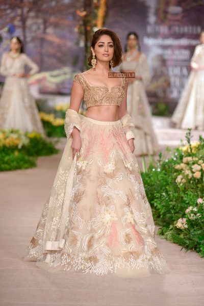 Yami Gautam Walks For Reynu Tandon At India Couture Week