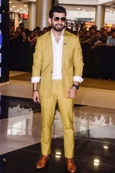 Akshay Kumar, Mouni Roy At The Gold Trailer Launch