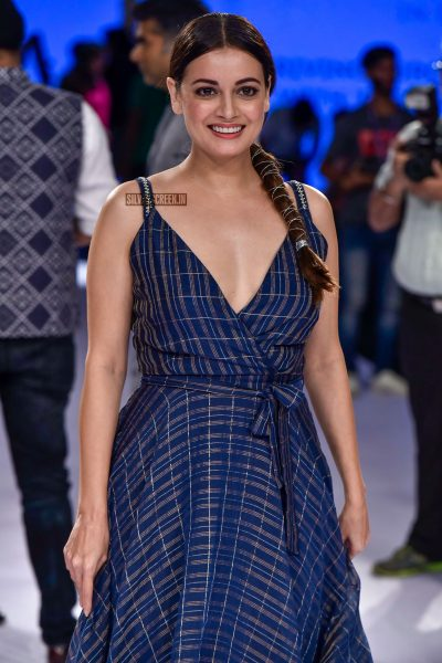 Dia Mirza At The Red Carpet Of Lakme Fashion Week 2018