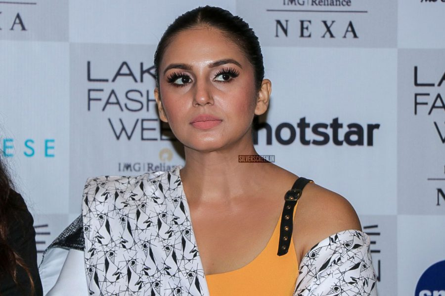 Huma Qureshi At The Red Carpet Of Lakme Fashion Week 2018