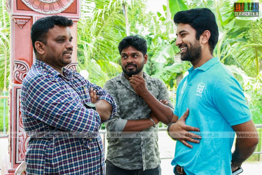 Jango Movie Stills Starring Sathish, Mrinalini