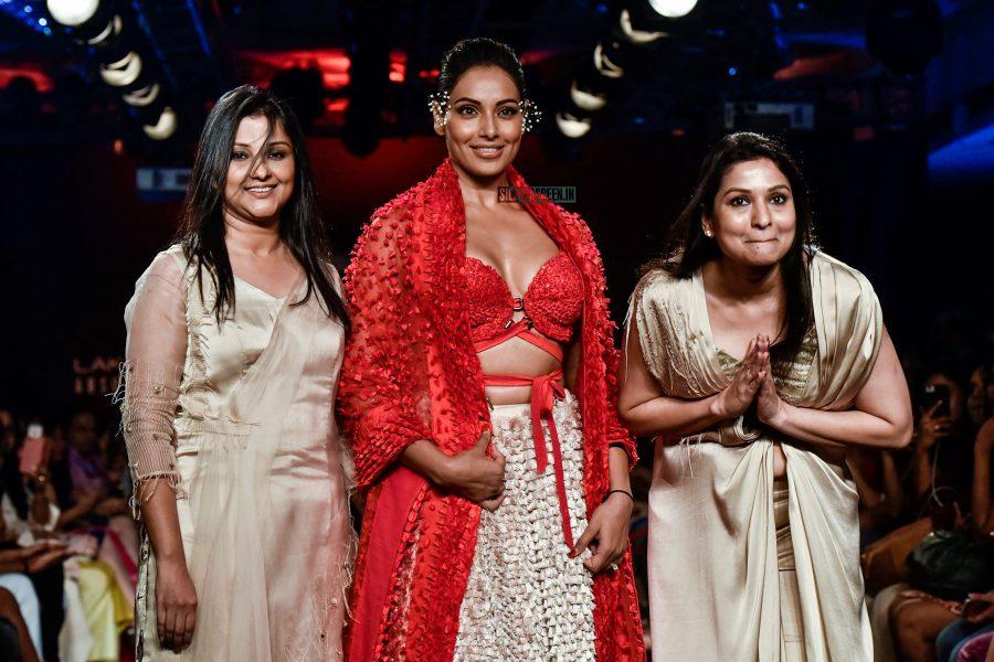 Bipasha Basu At The Lakme Fashion Week 2018