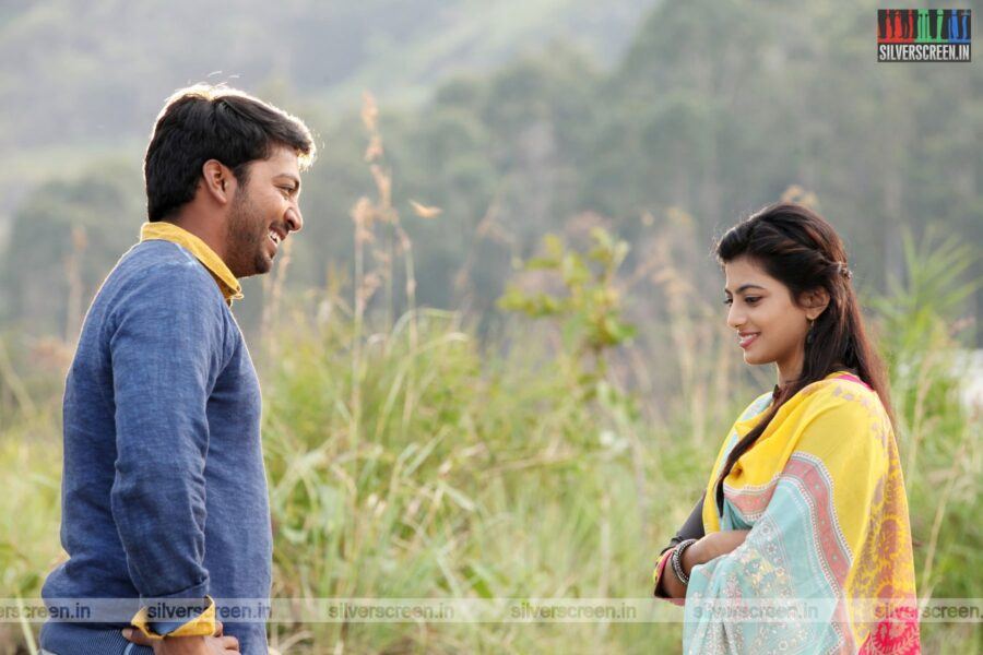 Titanic Movie Stills Starring Kalaiarasan, Anandhi