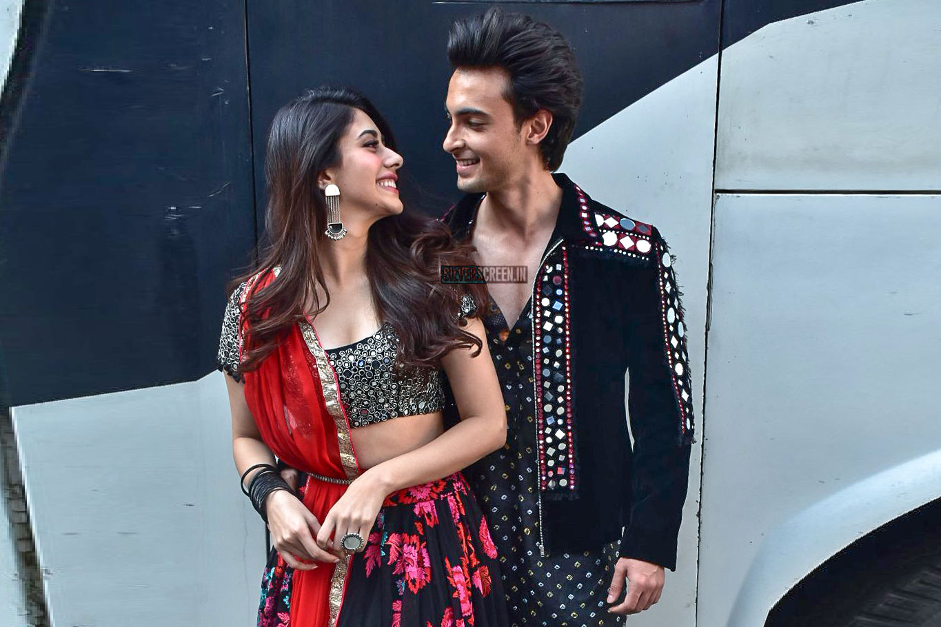 Aayush Sharma And Warina Hussain Promote Loveyatri Photos as well Spider Man Puppy as well Marvel Waffles The Cat furthermore Ng Metalslug also Shahrukh Khan Kajol At Dilwale Gerua Song Launch Photos. on screen s at