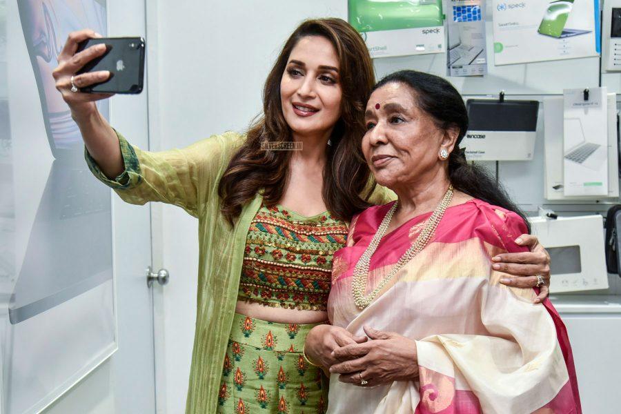 Madhuri Dixit & Asha Bhosle At A Product Launch
