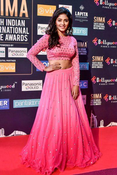 Anjali At Day 2 Of SIIMA Awards