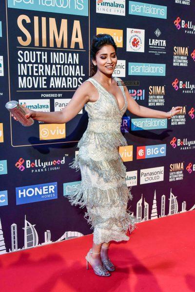 Shriya Saran At Day 2 Of SIIMA Awards
