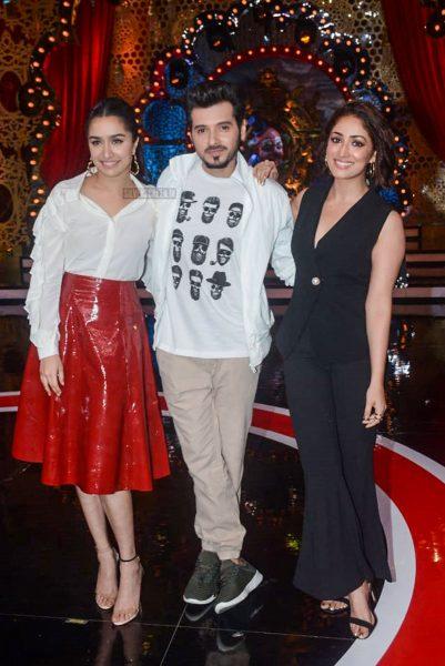 Shraddha Kapoor, Yami Gautam Promote Batti Gul Meter Chalu On The Sets Of Comedy Circus