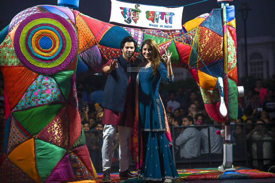 Varun Dhawan And Anushka Sharma Promote Sui Dhaaga In Delhi