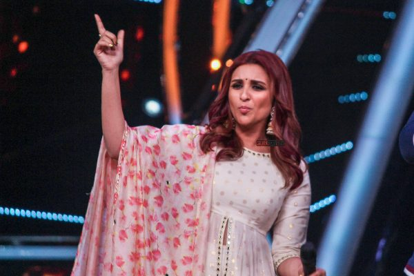 Parineeti Chopra Promote Namastes England On The Sets Of Indian Idol