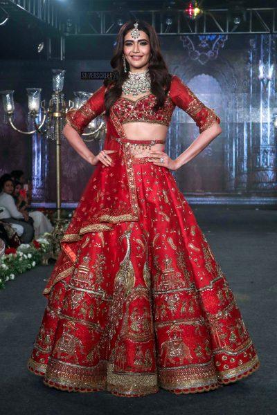 Karishma Tanna Walks The Ramp For Wedding Junction