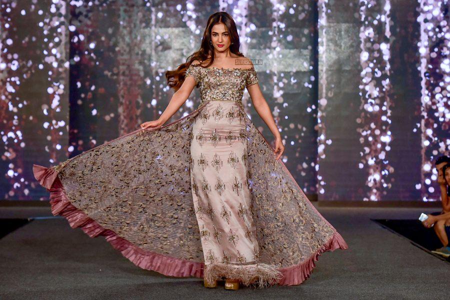 Sonal Chauhan Walks The Ramp For Wedding Junction