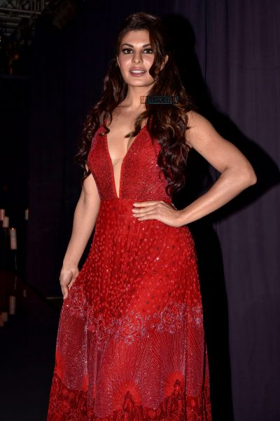 Jacqueline Fernandez Walks The Ramp For Jade