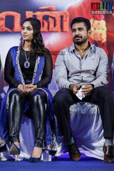 Nivetha Pethuraj, Vijay Antony At The Thimiru Pudichavan Press Meet
