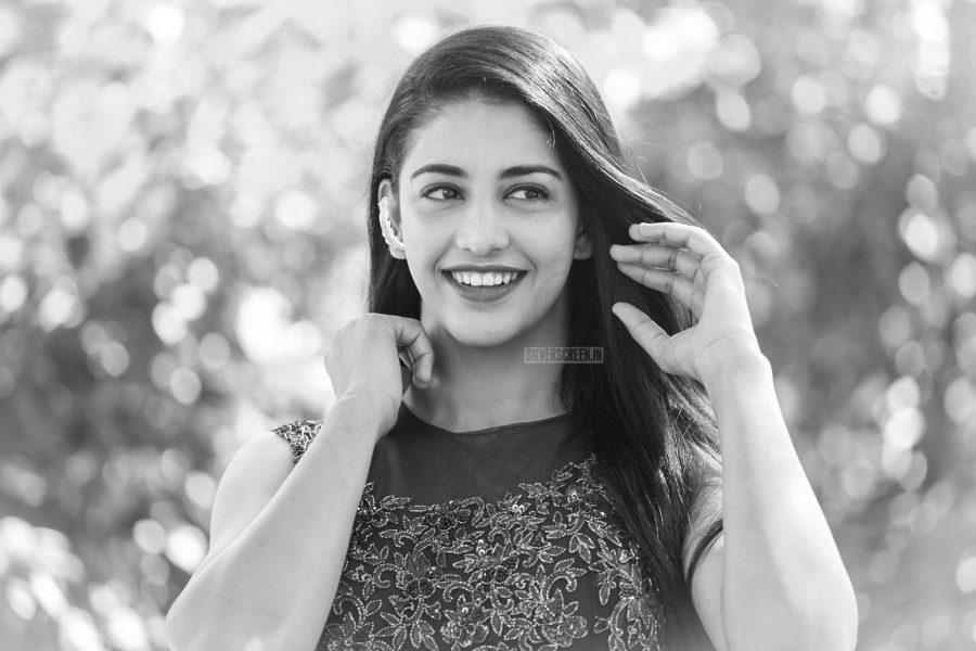 Daksha Nagarkar Prmotes 'Husharu'