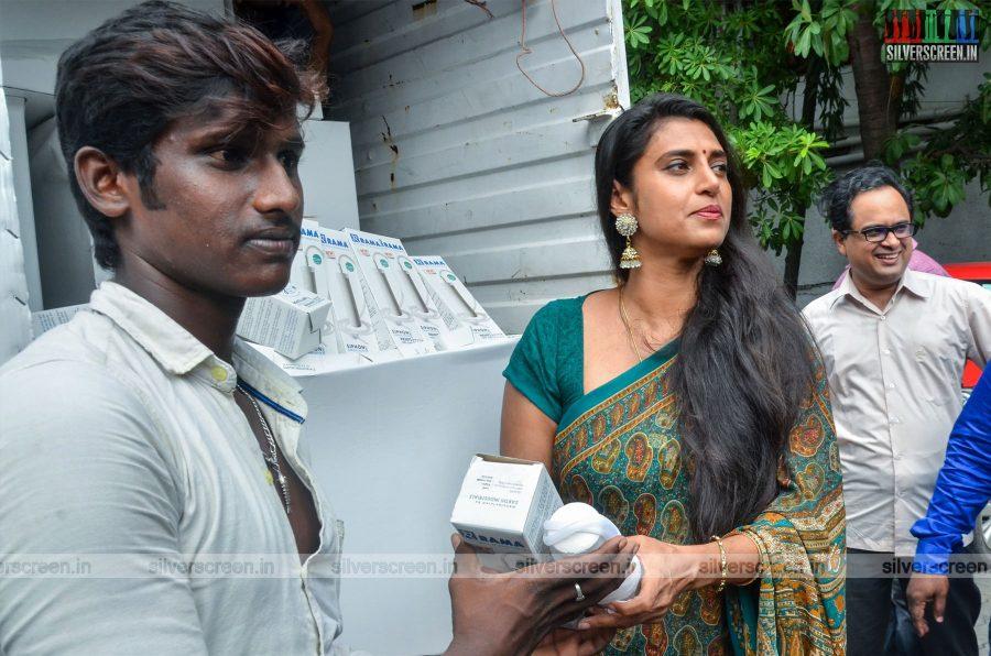 Actress Kasthuri Funds Gaja Relief
