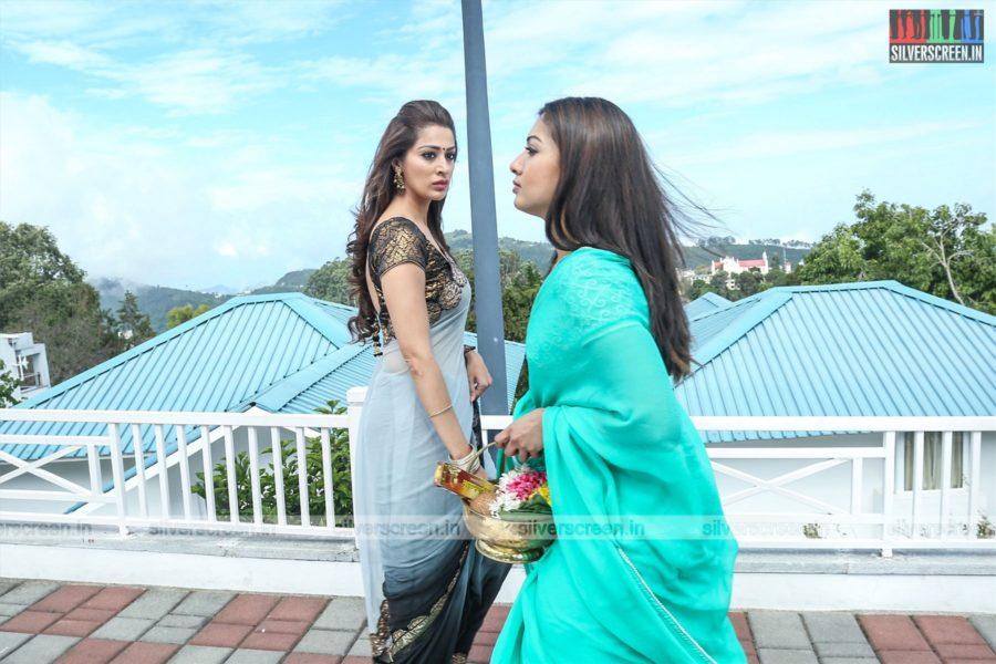 Neeya 2 Movie Stills Starring Catherine Tresa, Raai Laxmi