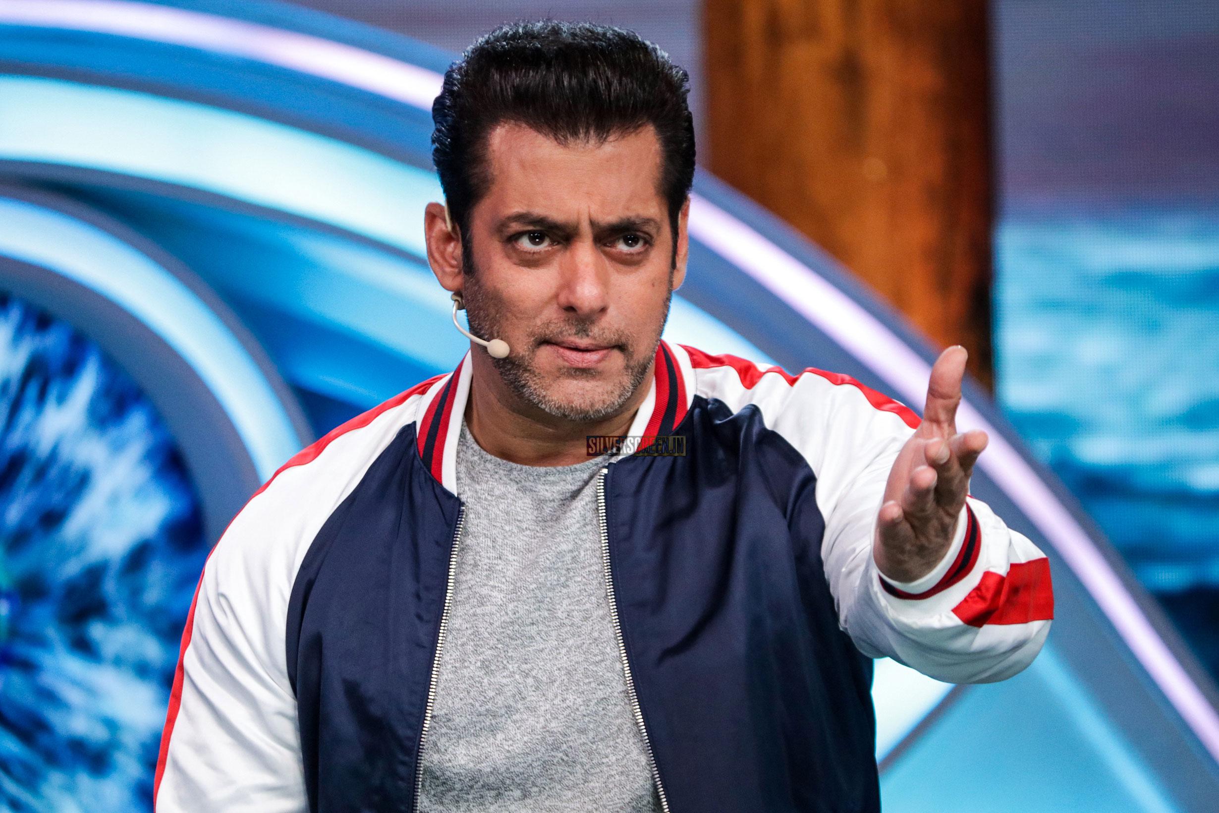 Salman Khan On The Sets of Bigg Boss 2