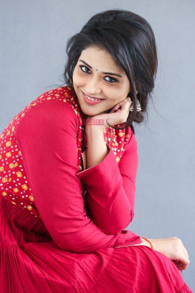 Priyanka Jawalkar Promotes 'Taxiwaala'