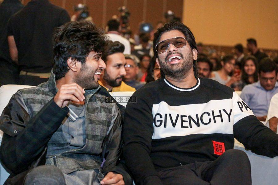 Vijay Dewarkonda & Allu Arjun Promote 'Taxiwaala'