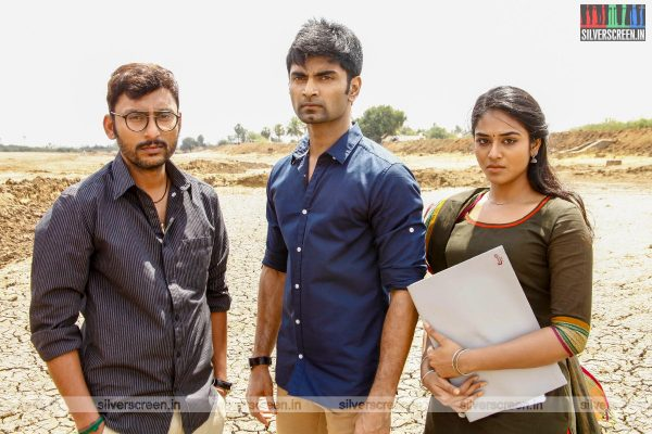 Boomerang Movie Stills Starring Atharvaa, Megha Akash, RJ Balaji
