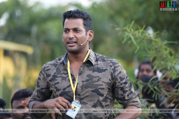 In Pictures: Actor Vishal Funds Gaja Relief