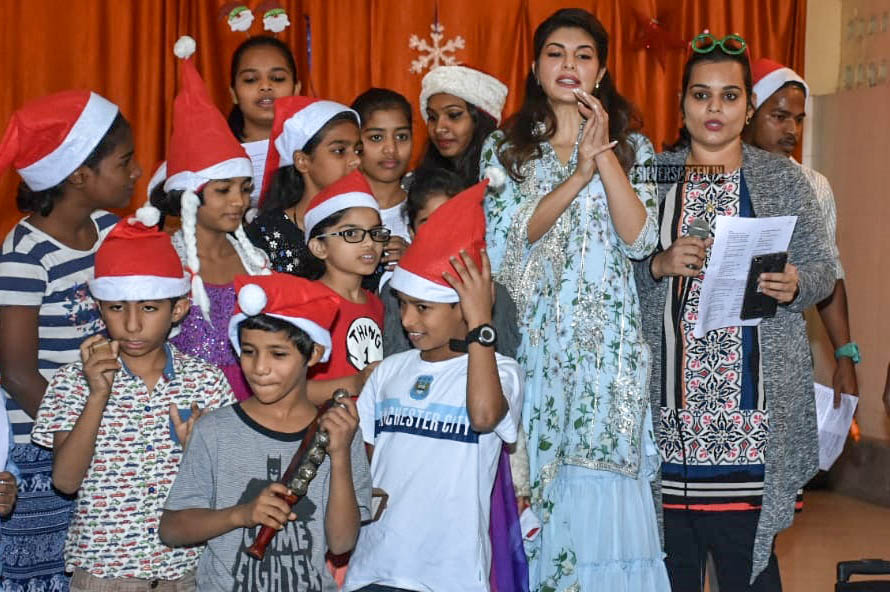 Jacqueline Fernandez Celebrates Christmas At An Orphanage