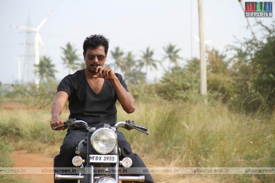 Pettikkadai Movie Stills Starring Samuthirakani