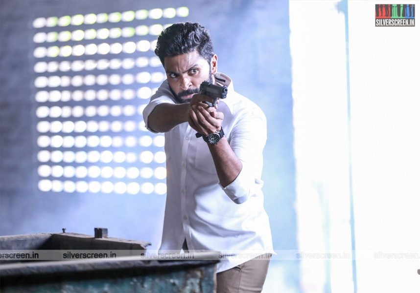 Thuppakki Munai Movie Stills Starring Vikram Prabhu