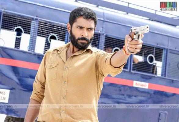 Thuppakki Munai Movie Stills Starring Vikram Prabhu