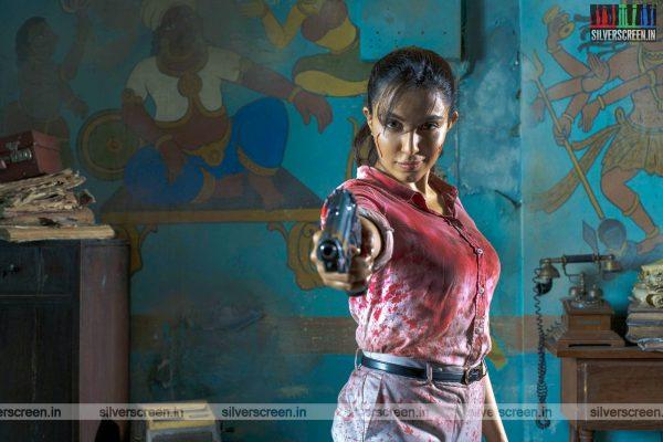 Vella Raja Web Series Stills Starring Parvathy Nair