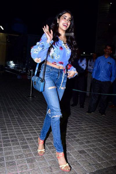Jhanvi Kapoor At The 'Kedarnath' Movie Premiere