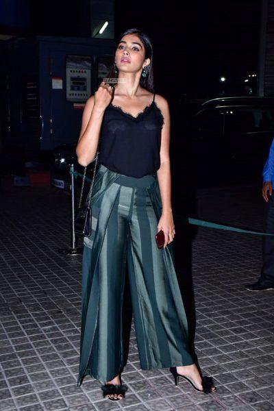 Pooja Hegde At The 'Kedarnath' Movie Premiere