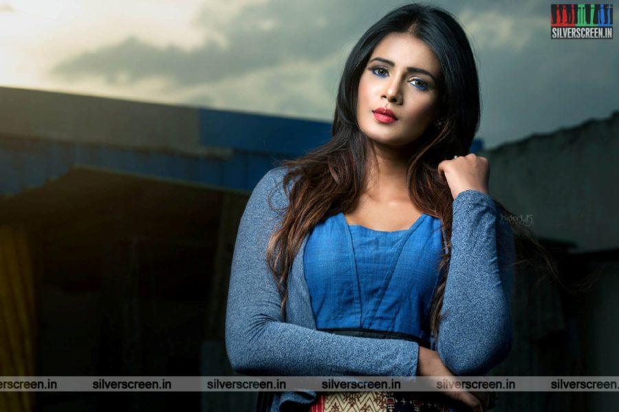 Actress Meera Mitun Photoshoot Stills