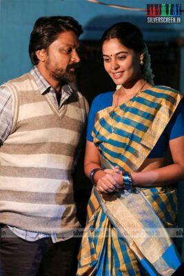 Kazhugu 2 Movie Stills Starring Kreshna, Yaashika Aanand