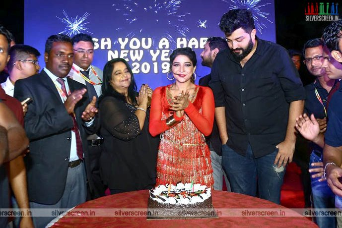 Sakshi Agarwal Performs for New Year Eve In Chennai