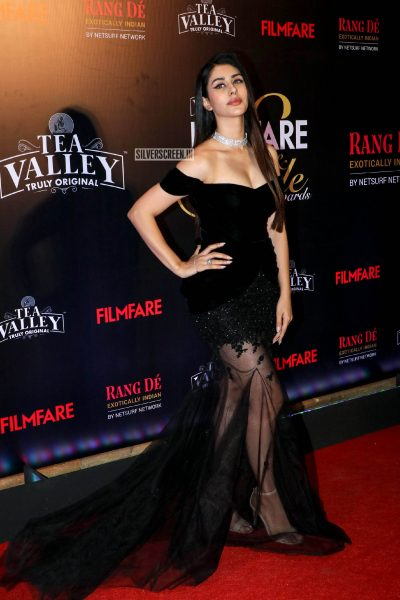 Warina Hussain At The Filmfare Glamour and Style Awards 2019