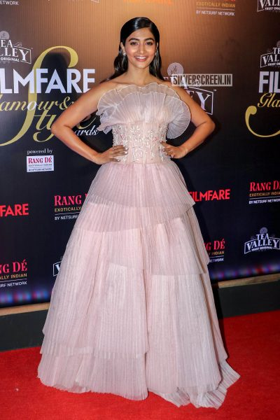 Pooja Hegde At The Filmfare Glamour and Style Awards 2019