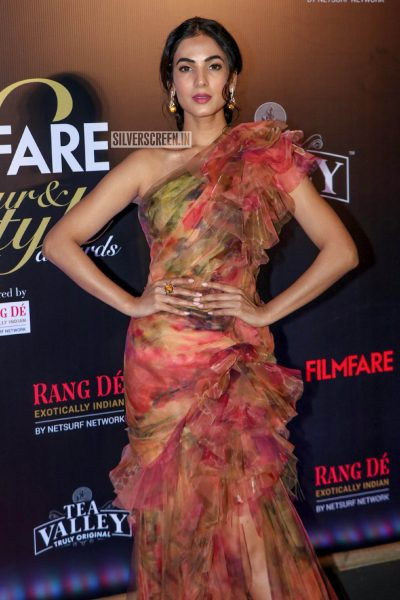 Sonal Chauhan At The Filmfare Glamour and Style Awards 2019