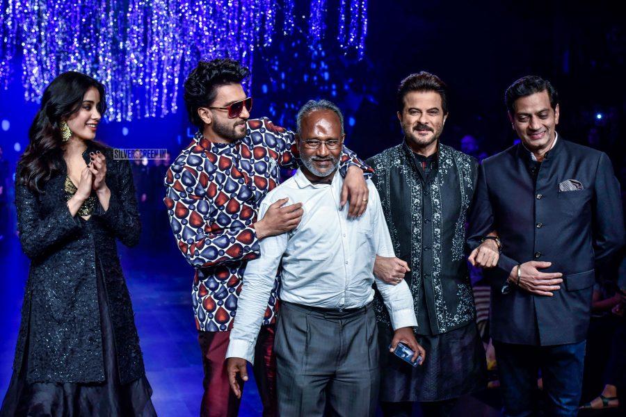 Jhanvi Kapoor, Ranveer Singh, Anil Kapoor Walks The Ramp For Raghvendra Rathore Lakme Fashion Week Summer/ Resort 2019