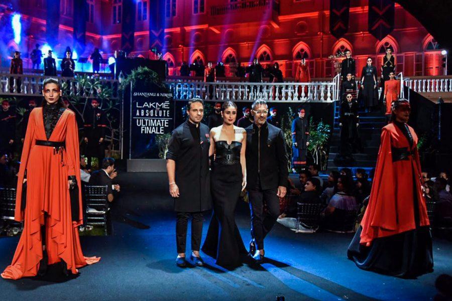 Kareena Kapoor Khan Walks The Ramp At Lakme Fashion Week Summer/ Resort 2019