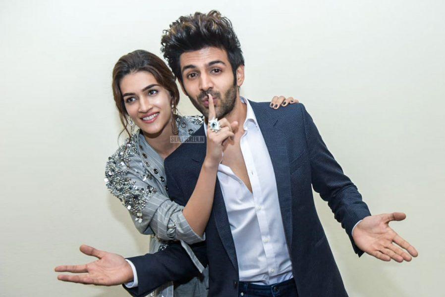 Kartik Aaryan And Kriti Sanon Promote 'Luka Chuppi'
